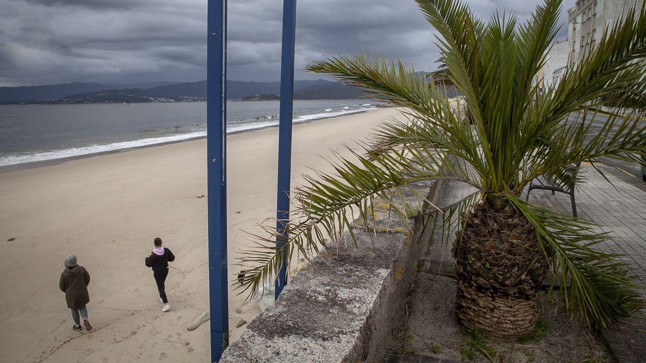 Chequeo al paseo de Coira.Vistas a la playa Area Maior y a Atalaia desde una de las plantas del edificio