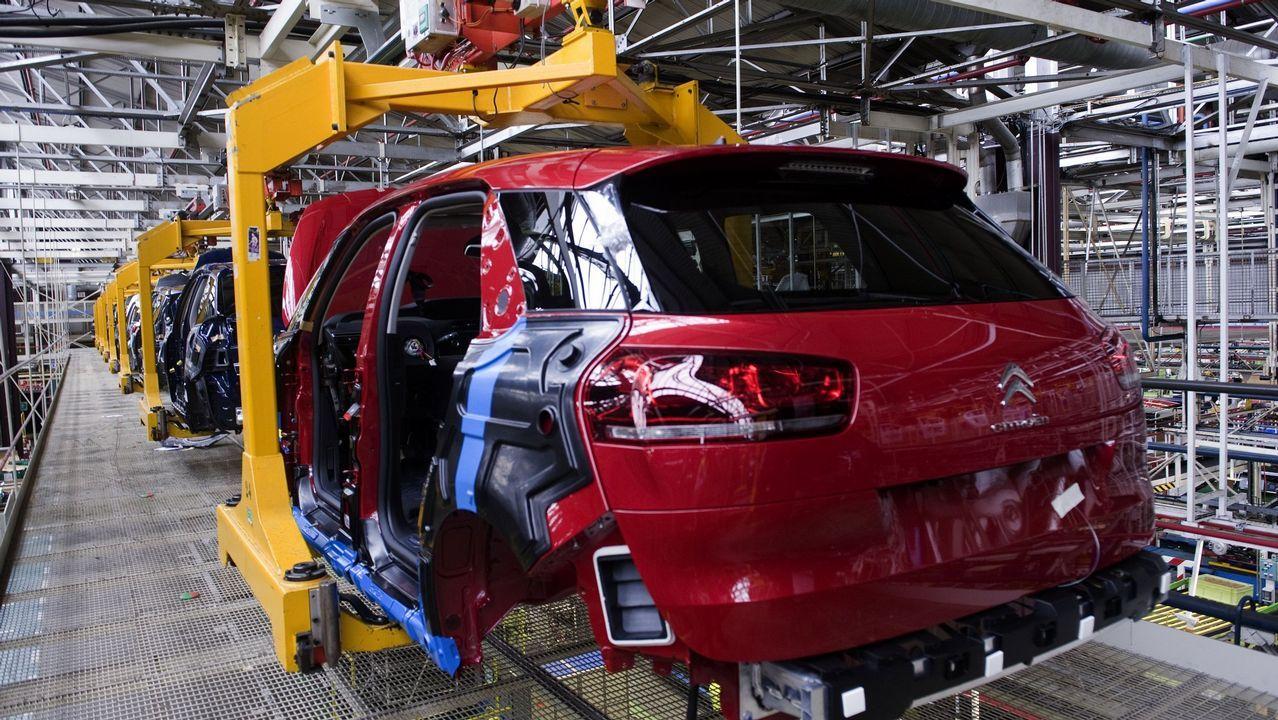 PSA prueba el coche del futuro en O Porriño.Carlos Tavares, consejero delegado del PSA Peugeot Citroen
