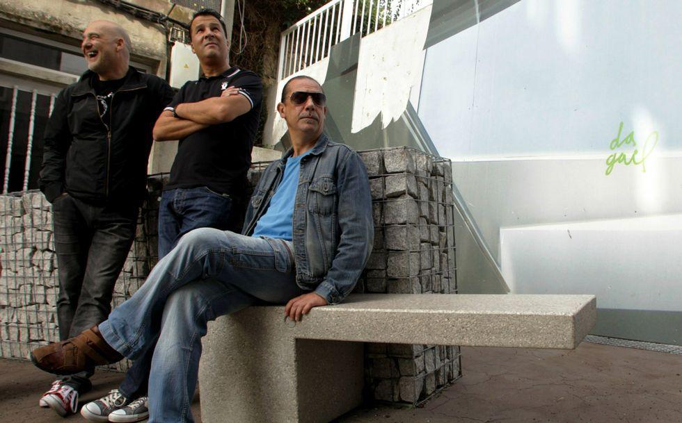 La terraza de A Gramola, en Cervantes, acogerá un concierto de la Banda de Nash.