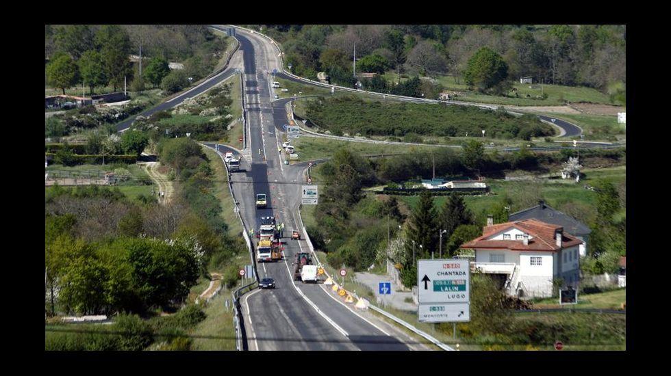 Obras del puente de la futura autovía A-56 sobre la carretera A Barrela-Esmoriz