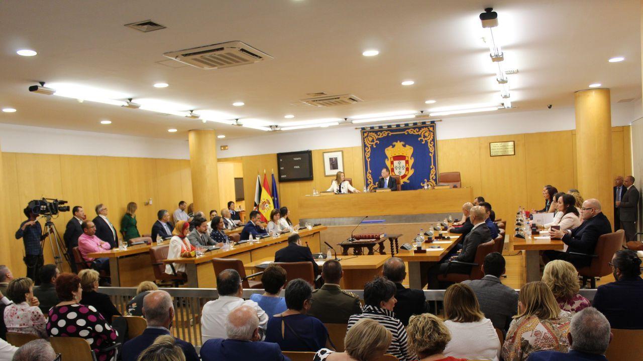 La sesión de constitución del gobierno autónomo de Ceuta se desarrolló sin incidentes, pese a la minoría del PP