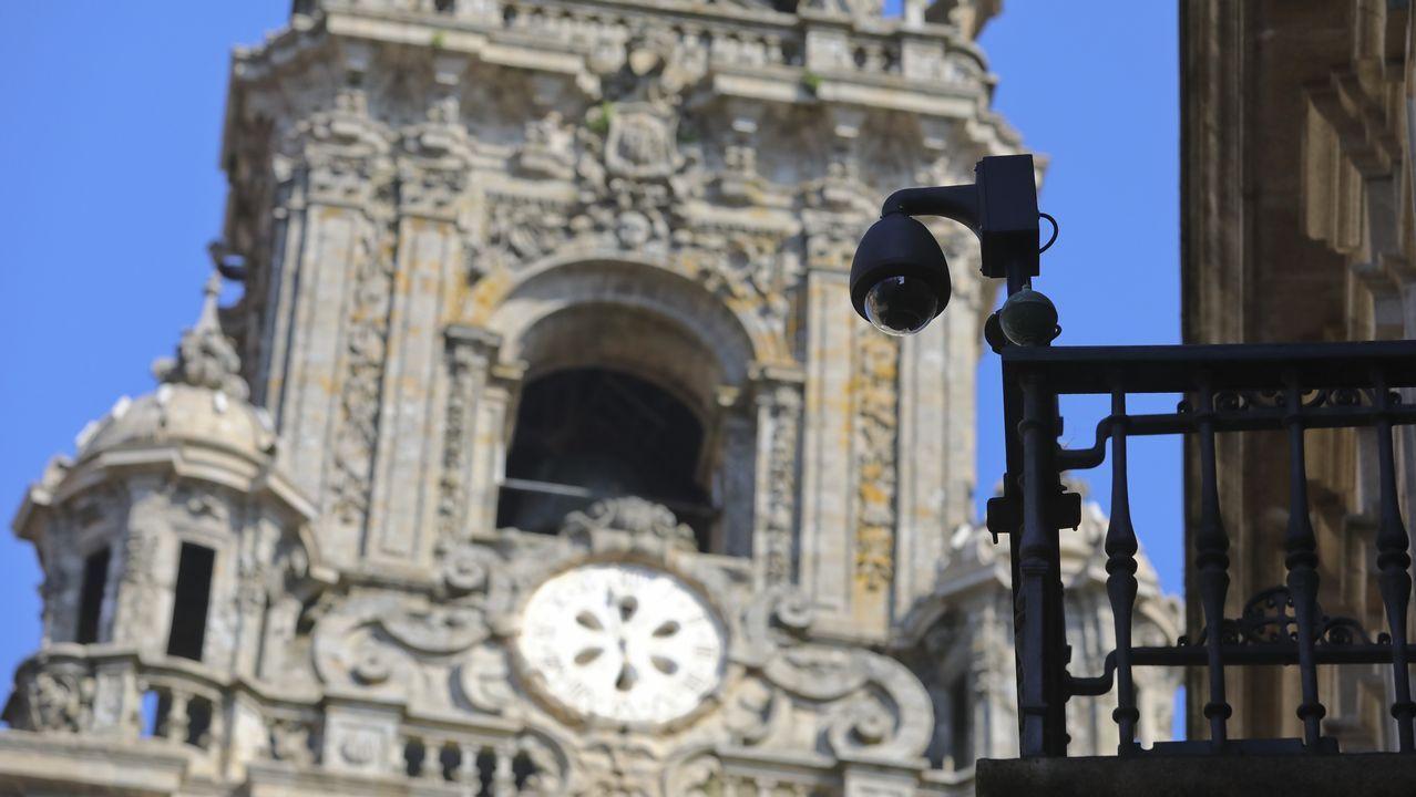 El turismo no se resiente en Sanxenxo ni siquiera con una jornada como la de hoy, de bochorno y lluvia