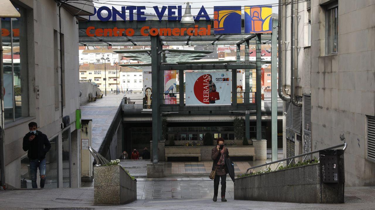 Entrada del centro comercial Ponte Vella, en Ourense