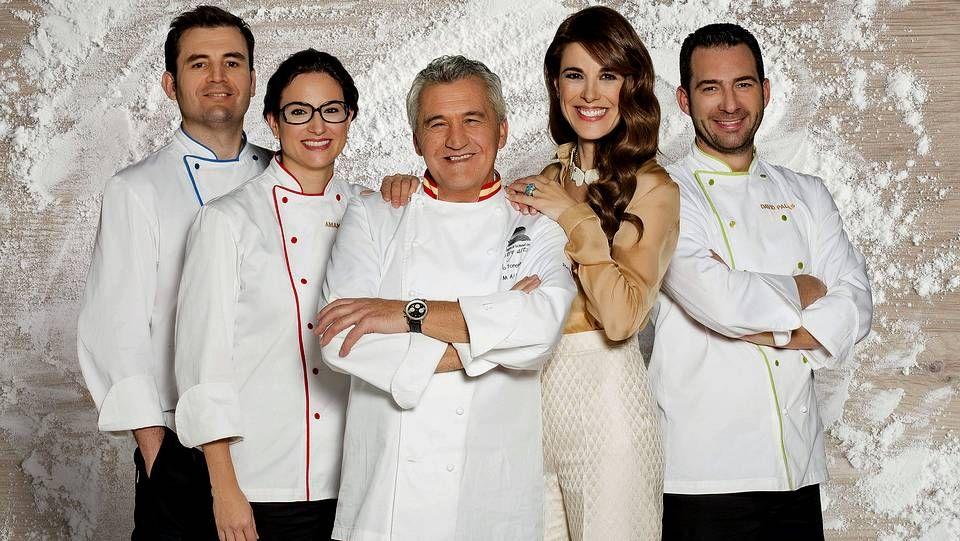 La presentadora Raquel Sánchez Silva, junto a Paco Torreblanca, juez del concurso, junto a Sergi Vela, Amanda Laporte y David Pallás, que actuarán como ayudantes.