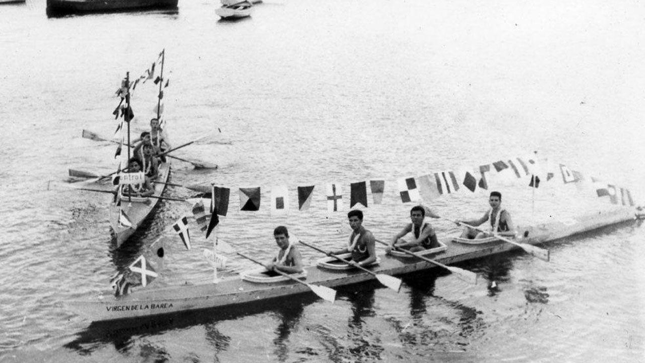 La canoa Virgen de la Barca, en una imagen de 1960