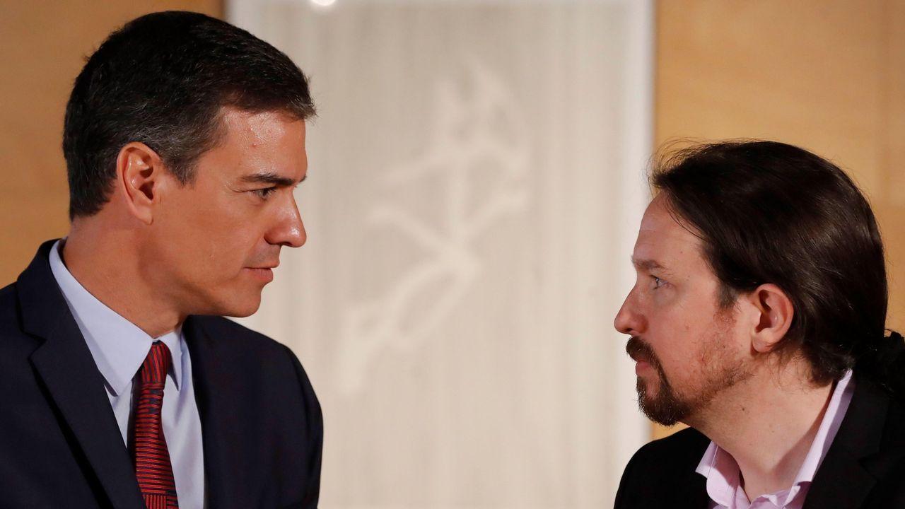 Gijón, desde el aire.El presidente del Gobierno en funciones, Pedro Sánchez, y el secretario general de Unidas Podemos, Pablo Iglesias