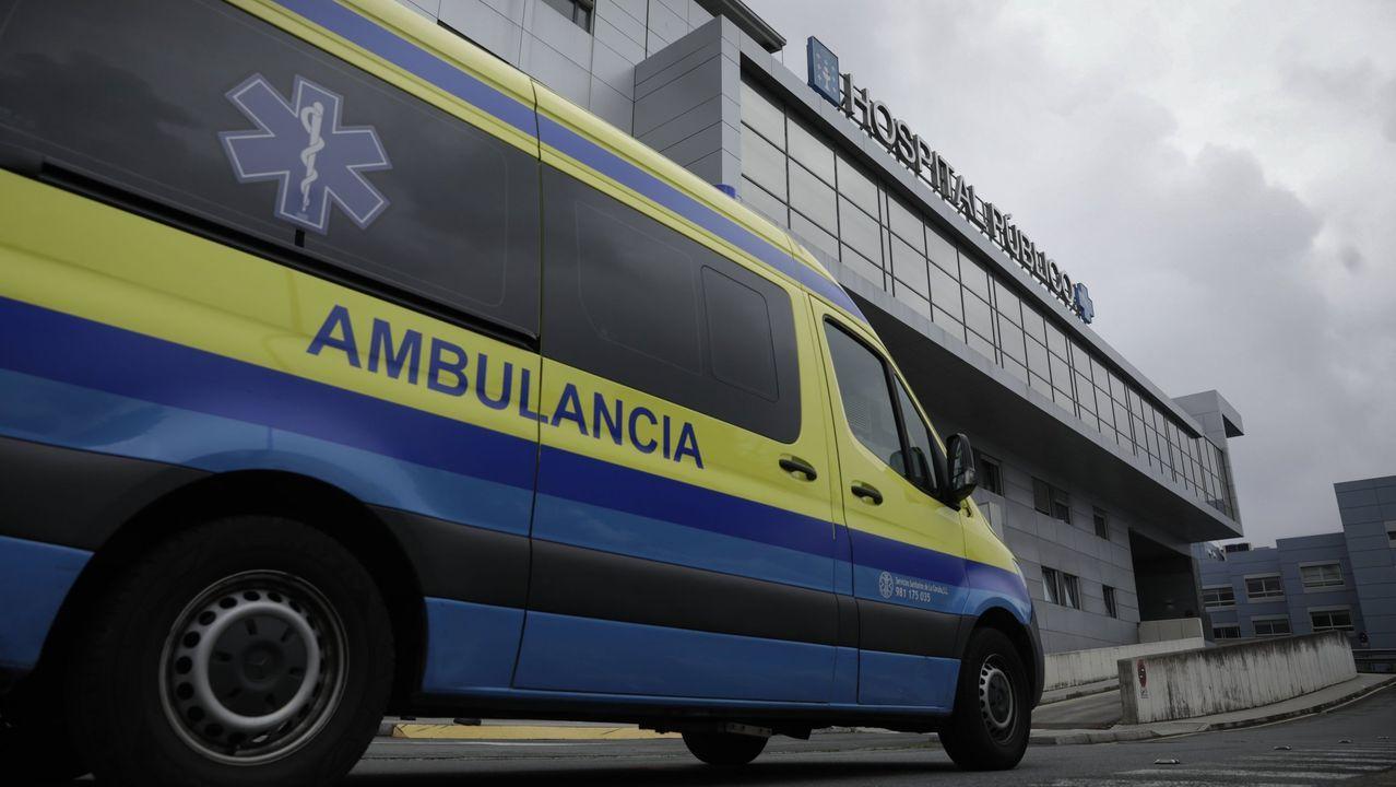 Una ambulancia del 061 trasladó al accidentado a un centro médico