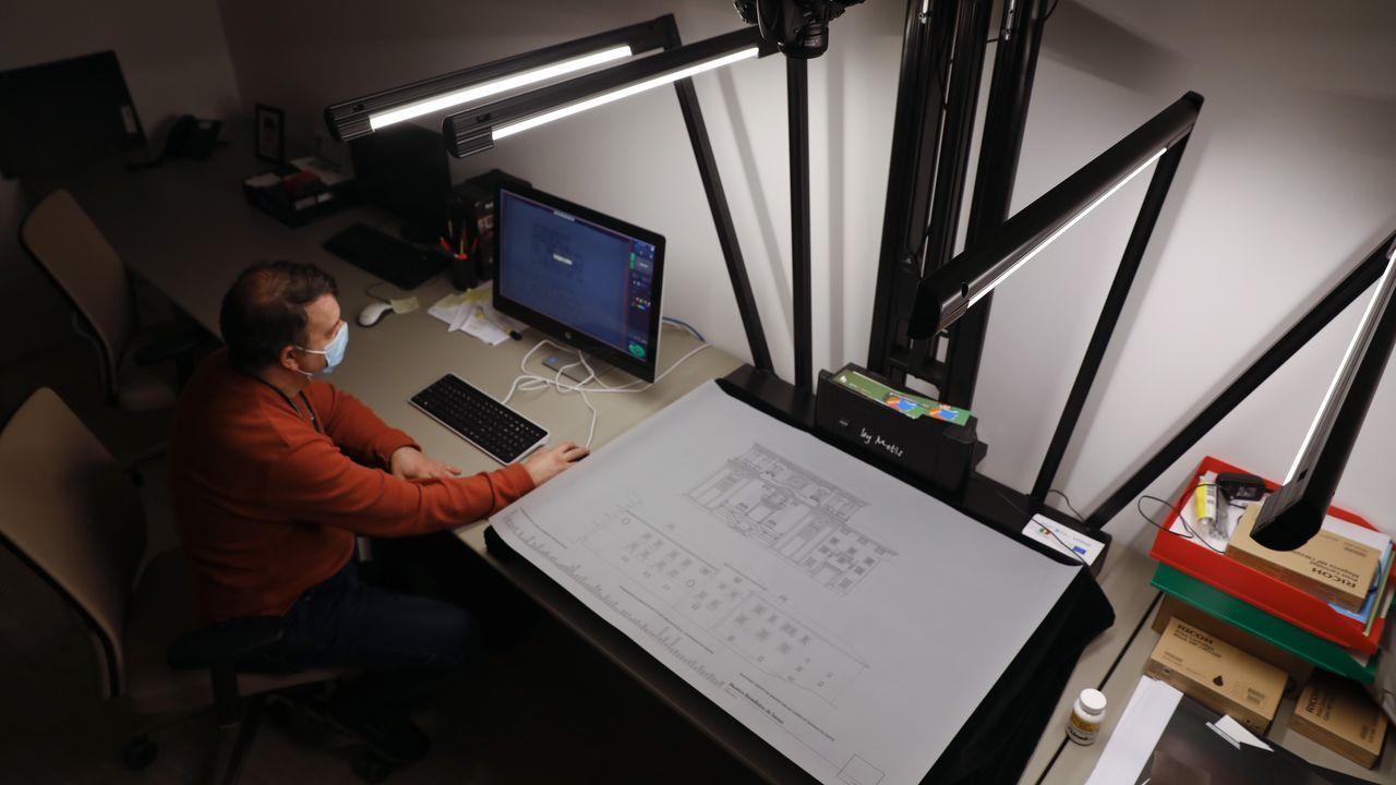 Digitalización de documentos en el Arquivo de Galicia, en el Gaiás
