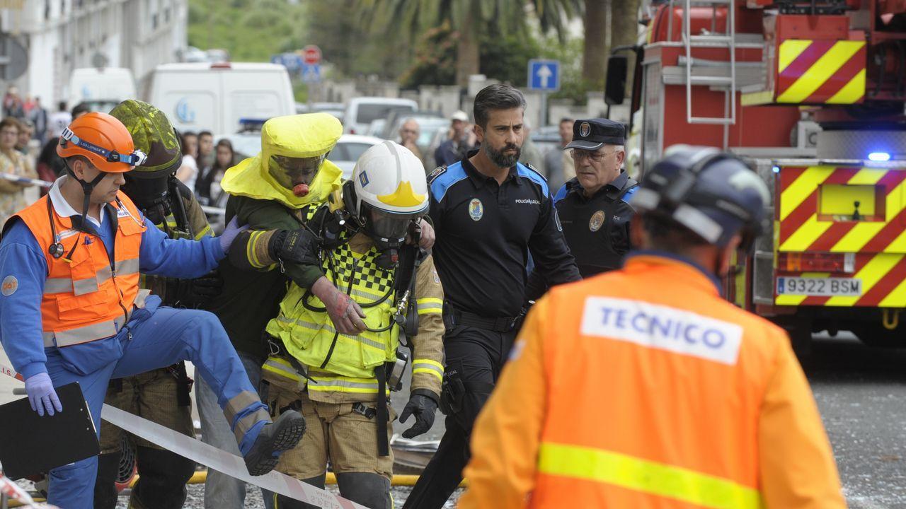 Los bomberos auxiliaron al inquilino de la vivienda afectada