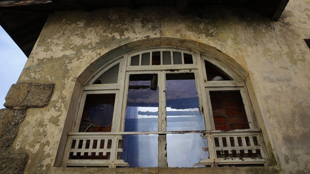 Casa Carnicero acrecienta la leyenda del arquitecto maldito de A Coruña.Yzquierdo destaca la gran arquitectura nacida con las órdenes mendicantes como Oseira