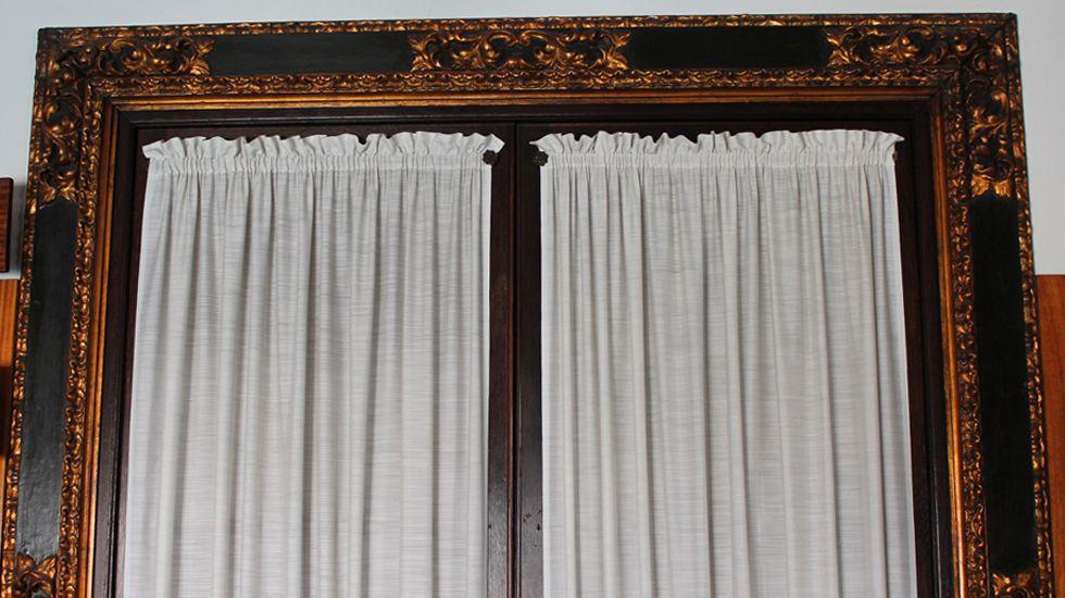 Molduras en el marco de una puerta de la primera planta