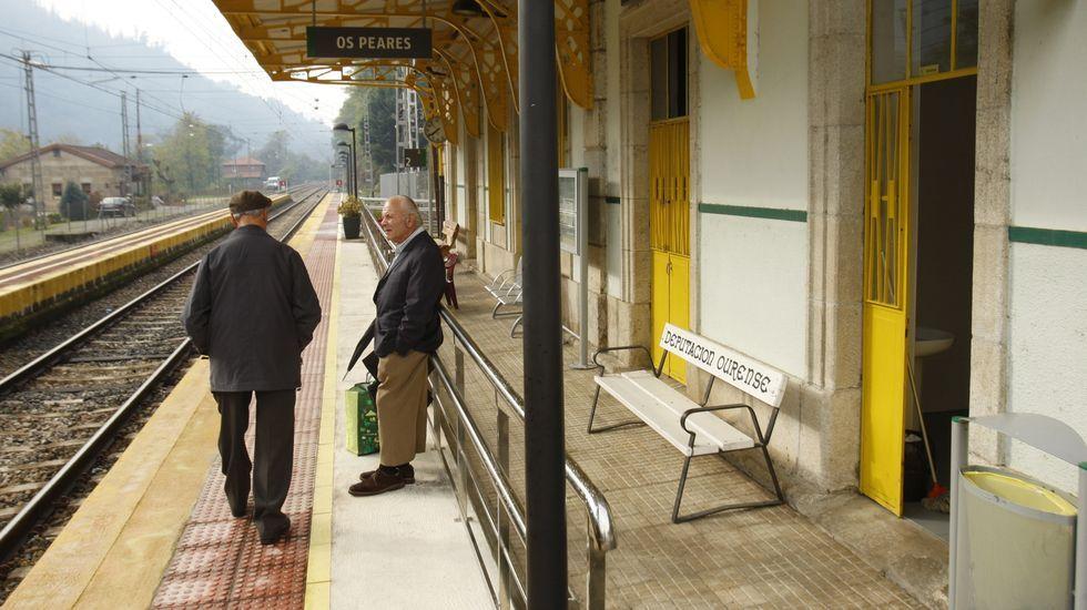 Los nuevos ministros prometen sus cargos ante el rey Felipe VI.En Os Peares habrá cambios en las vías y será construida una nueva de 750 metros