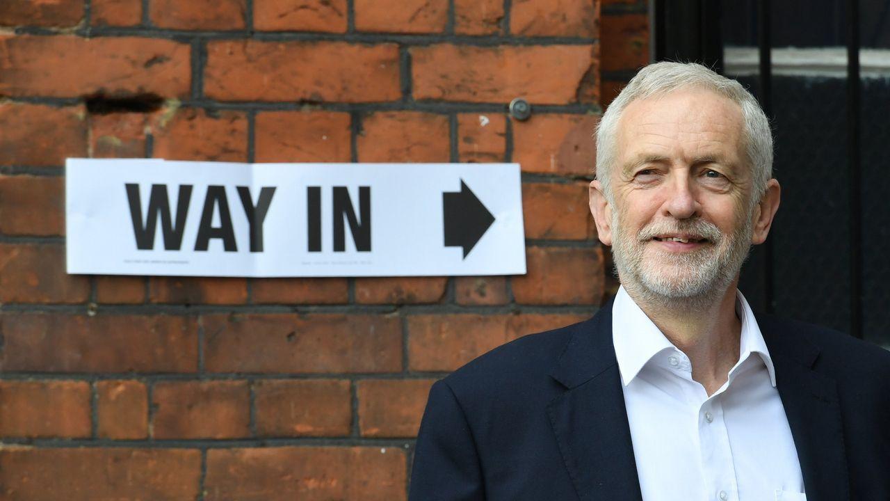 El líder del Partido Laborista dice ahora que está a favor de repetir la consulta sobre la salida de la Unión Europea