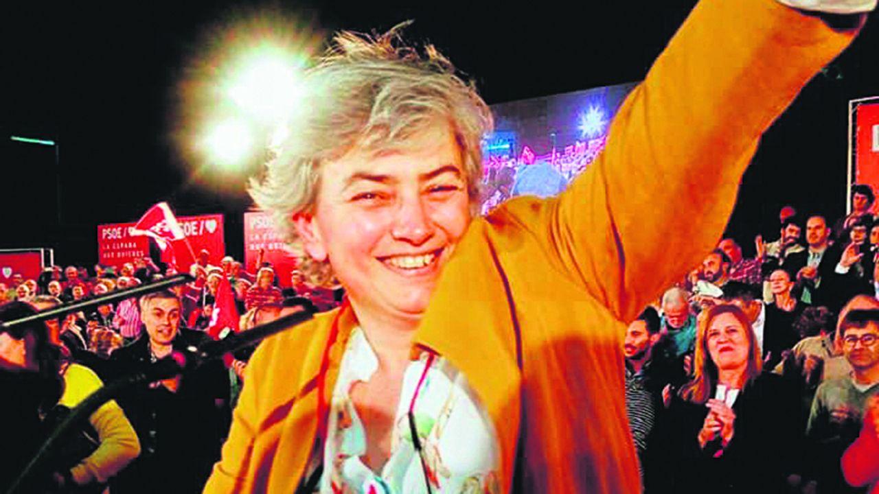 Ana González, alcaldesa de Gijón, en un mitin