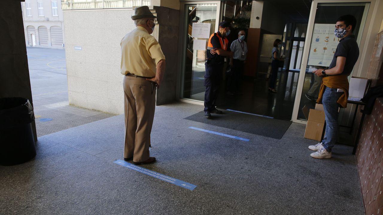 Espera para votar en A Coruña