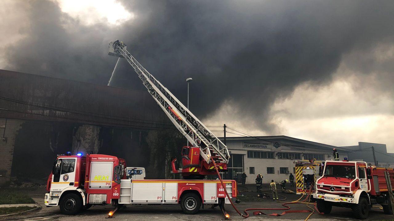 El fuego empezó a estar controlado a mediodía