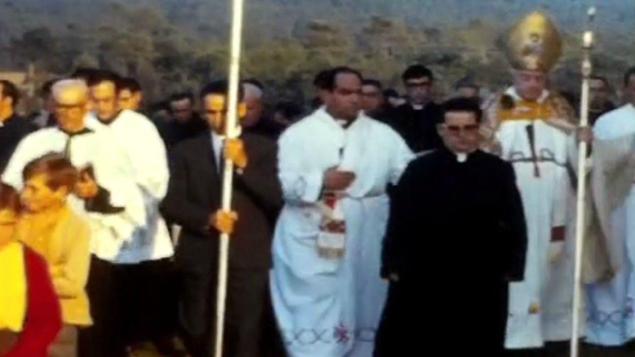 Vídeo inédito de la inauguración de la iglesia de Castromil de Salto, en Vimianzo