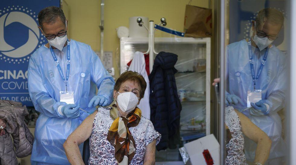 La vacunación de mayores de 80 años empezó el lunes