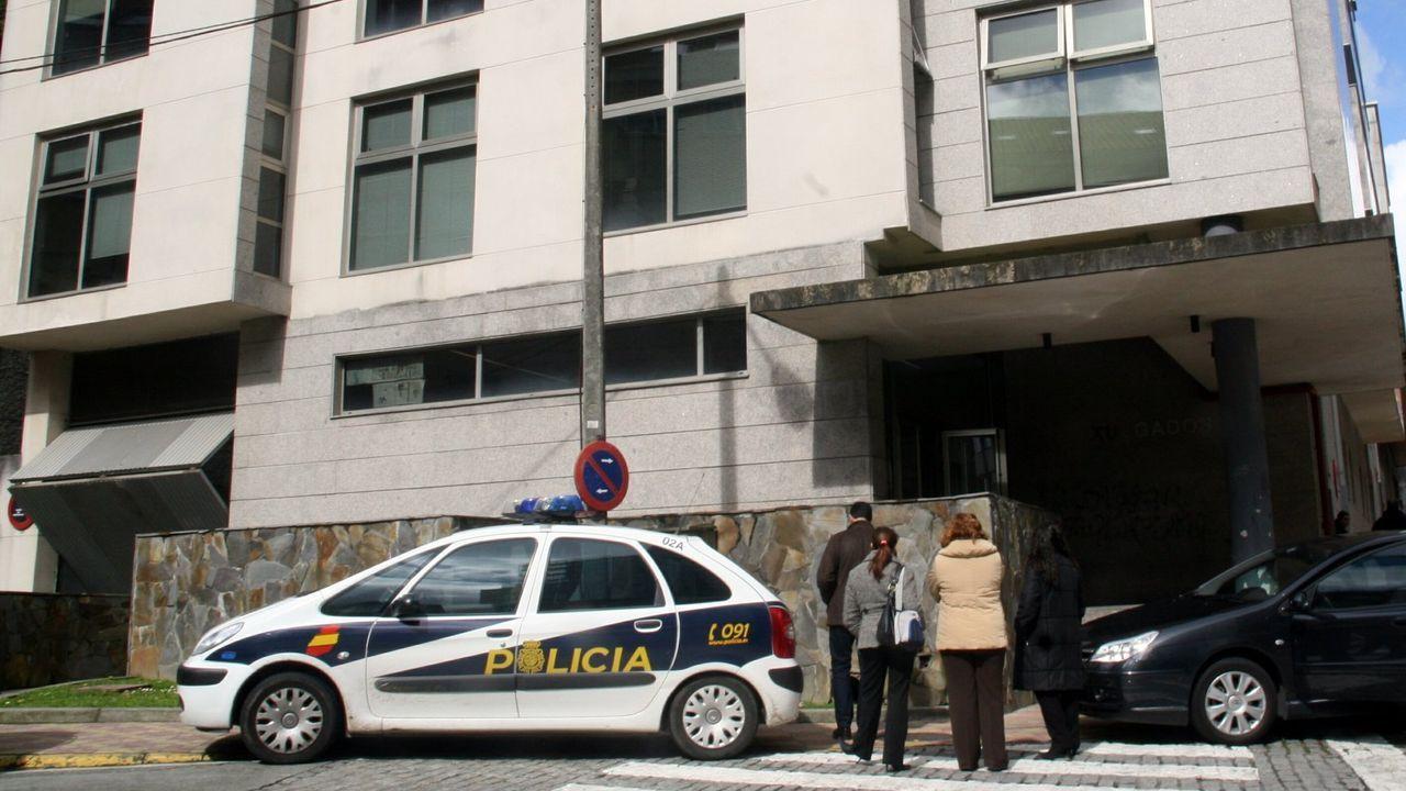 El laboratorio de resina de cannabis en Grado.Un coche de la Policía Nacional, en una imagen de archivo