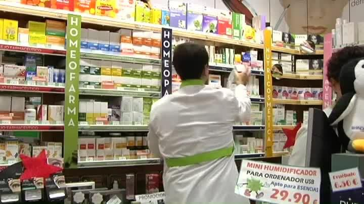 El Gobierno intenta regular los medicamentos homeopáticos.La ministra de Sanidad durante la inauguración del Congreso Mundial de Veterinaria, en Barcelona