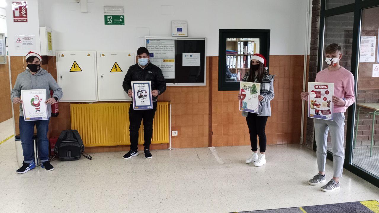 Concentración contra la gestióndel albergue municipal.Ana Taboada, concejal de Somos