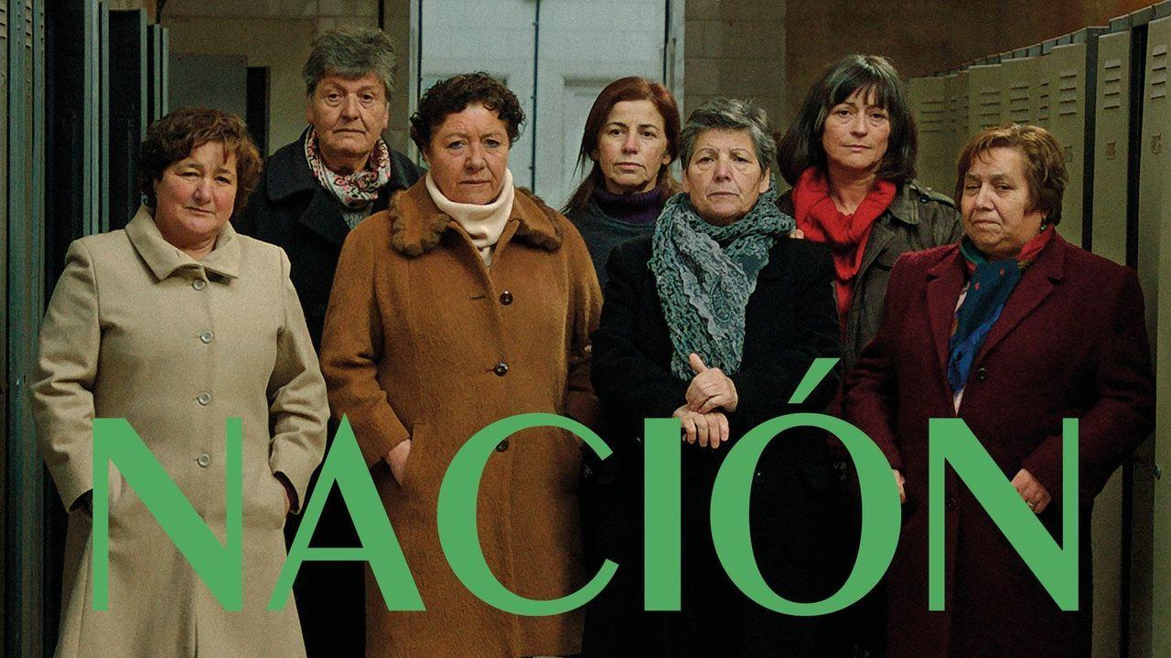 Estrea. As antigas traballadoras e as actrices no cartel da película, que se estrea en marzo.