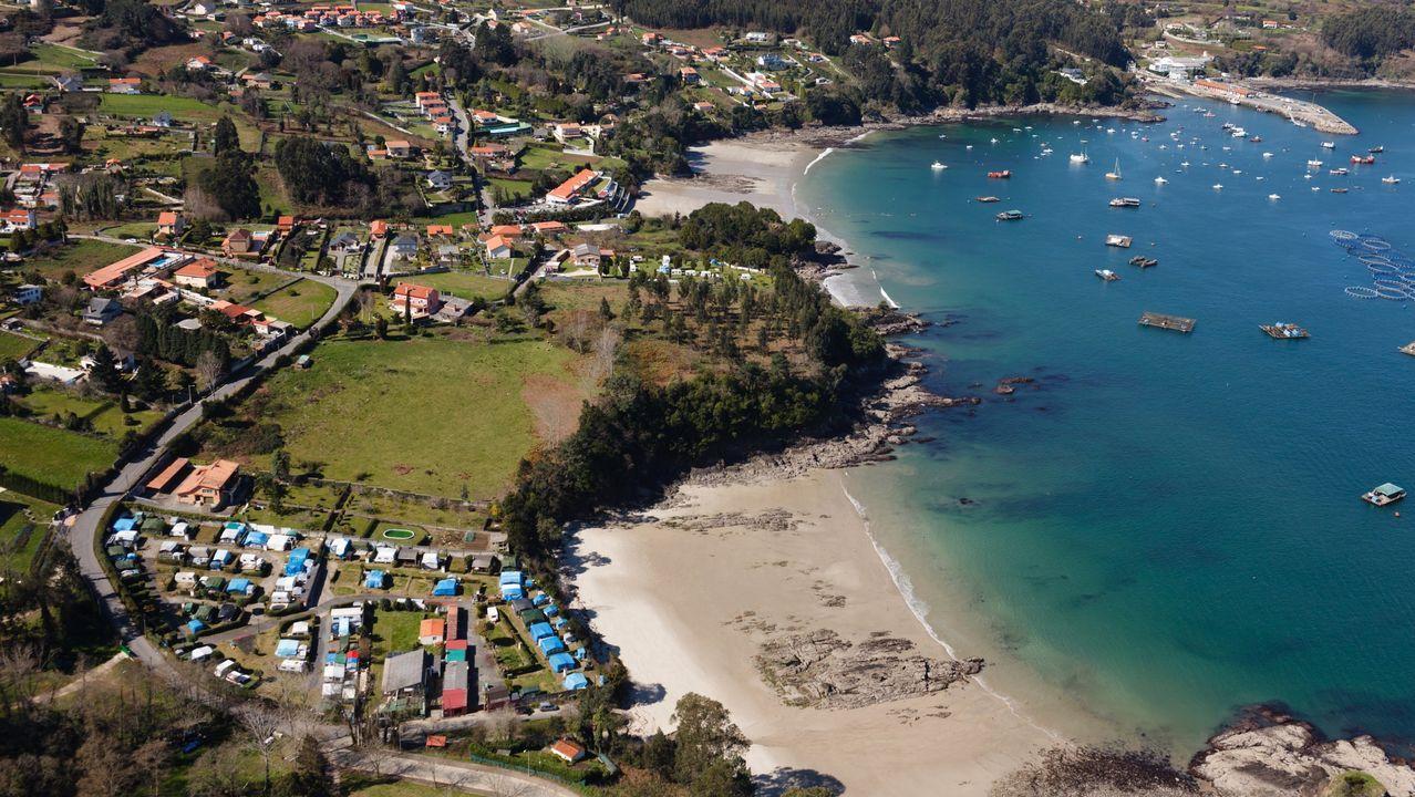 Playa de San Lorenzo Gijon.Playa de Compostela, en Vilagarcía de Arousa