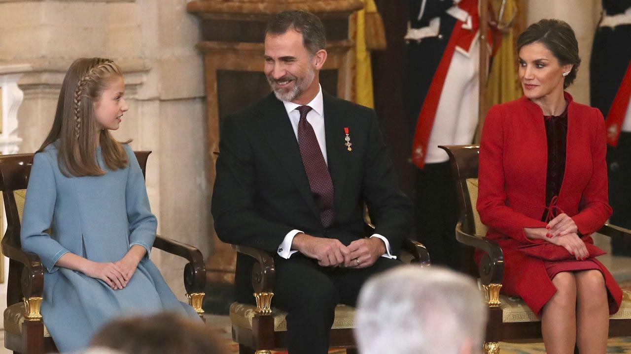 Los atuendos más curiosos de alcaldes, ediles y personalidades conocidas en entroido.La princesa Leonor, en su última aparicion pública, en la comunión de su hermana Sofía.