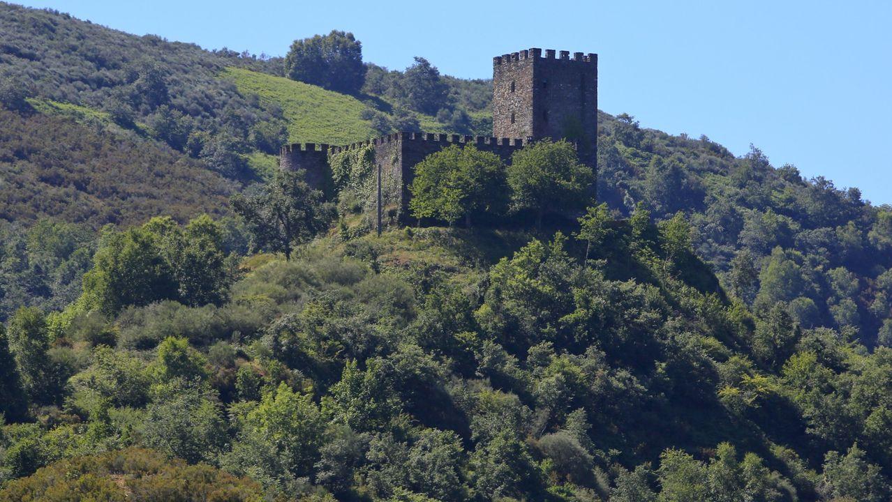 El castillo de Doiras es una de las tres torres de Os Ancares