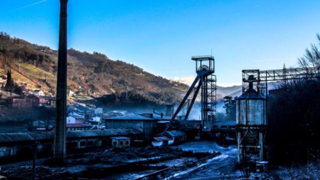 Imagen de la helada en Asturias en un extinto pozo del valle de Turón