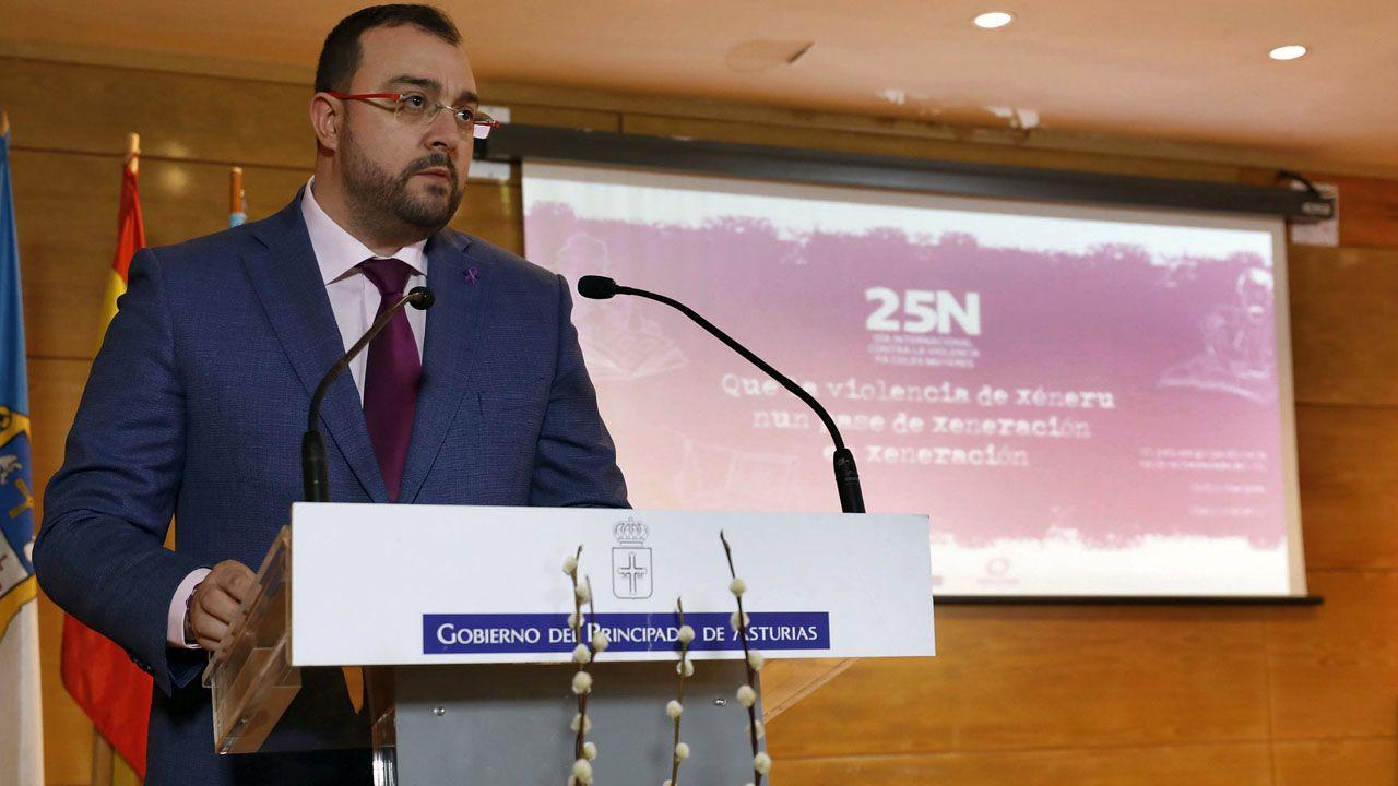 El presidente del Principado interviene durante el acto institucional del día contra la violencia de género