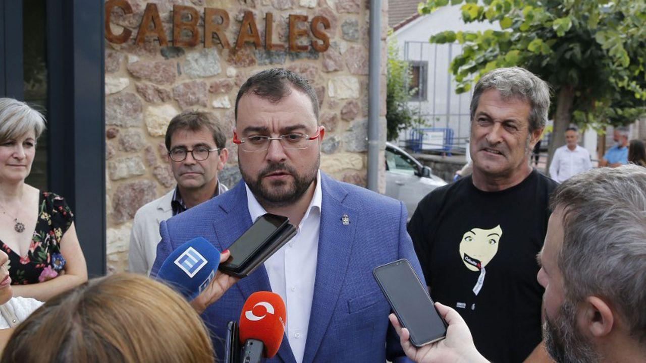 Las fiestas de El Carbayu, en imágenes.El presidente de Asturias, Adrián Barbón, en Cabrales el Día de Asturias
