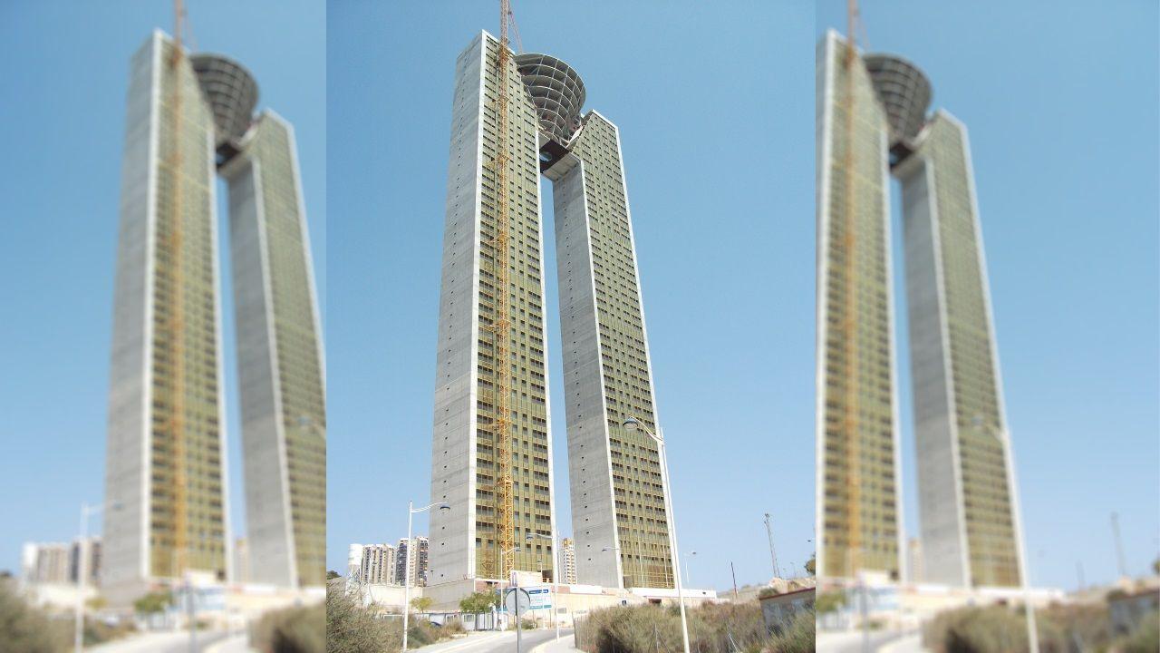 TORRE INTEMPO (Benidorm) - Es el quinto edificio con más plantas de España (47)y el más alto de entre los de uso residencial de todo el país (unos 190 metros). Se espera que reciba los primeros inquilinos a finales del año próximo o principios del 2021