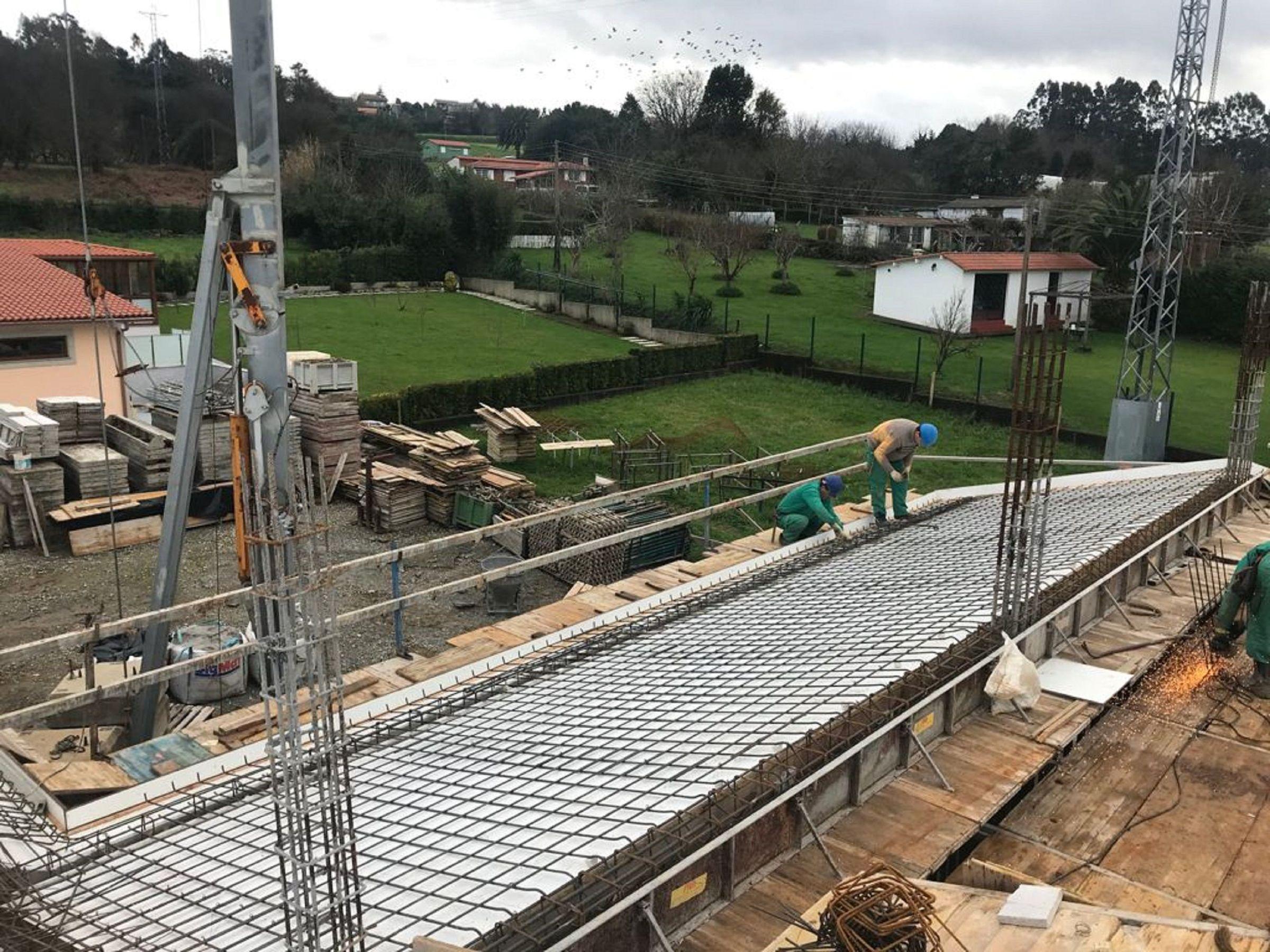 Vivienda unifamiliar en ejecución en el municipio de Narón, por Construcciones Prieto Mouriz