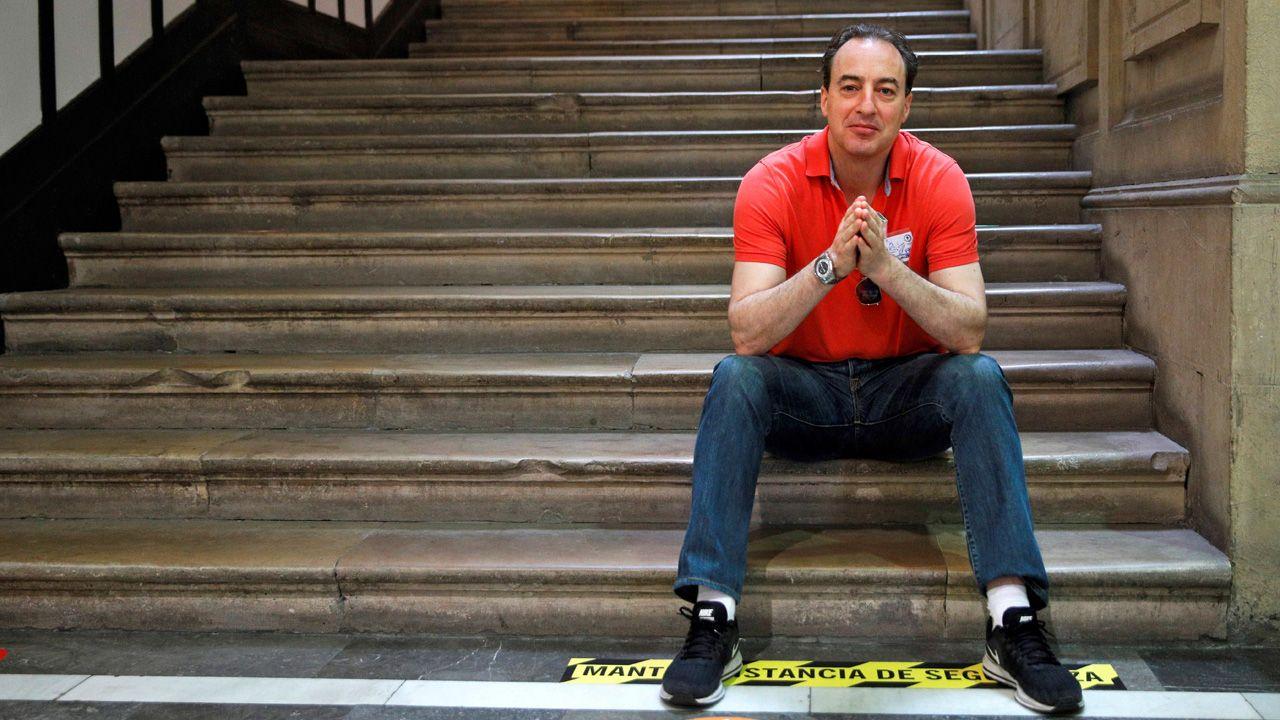 Rubén Pérez Carcedo, concejal de Ciudadanos en el Ayuntamiento de Gijón.El escritor asturiano Ignacio del Valle, en la presentación de su libro, en la Semana Negra de Gijón