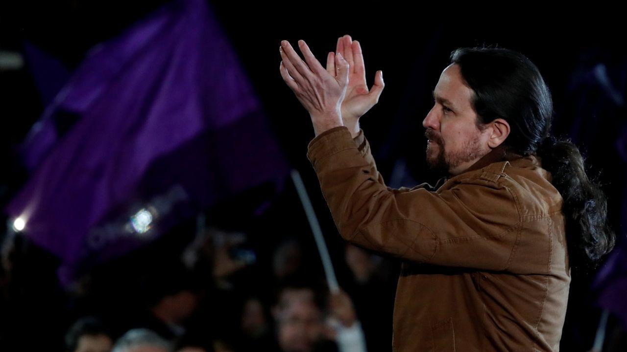 Sánchez acusa a Iglesias de romper unilateralmente las negociaciones con su consulta a las bases.Pablo Iglesias