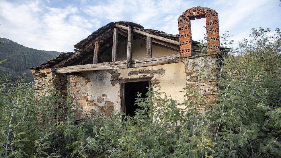 La ermita de San Xoán está abandonada y en ruinas