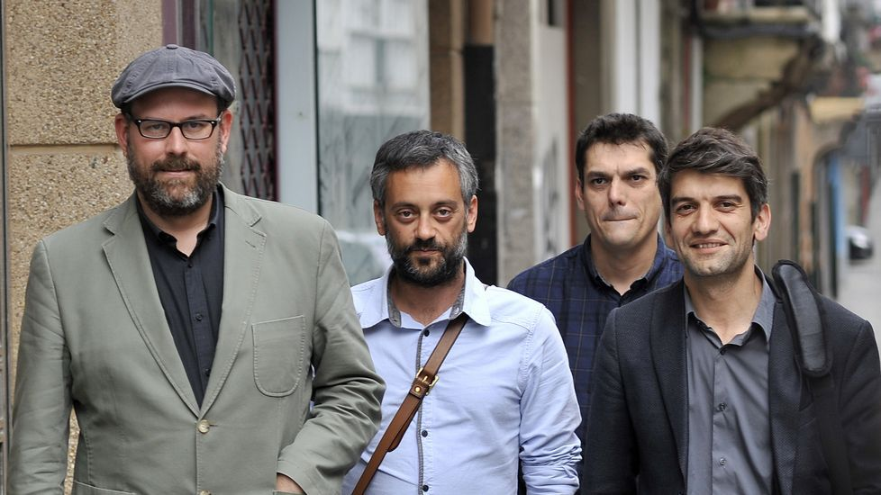 <span lang= gl >«Non temos que pedir permiso a Podemos»</span>
