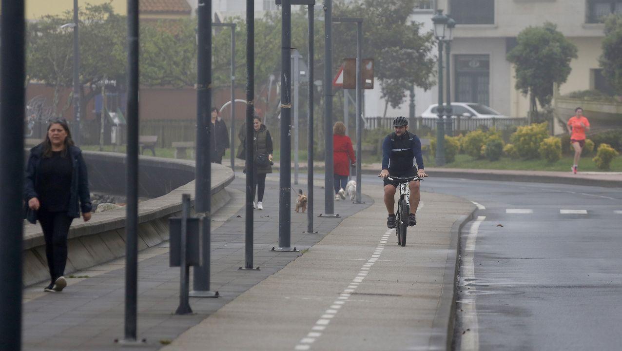 Paseo de las Avenidas en Vigo.Paseando y haciendo ejercicio por el paseo de Coroso en Ribeira