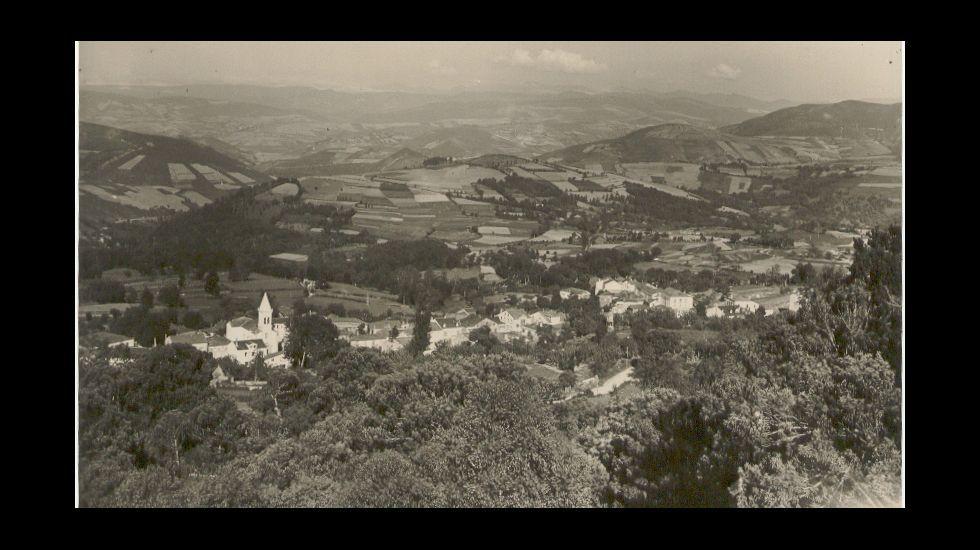 La nieve complica el tráfico en Lugo pero hace las delicias de los visitantes