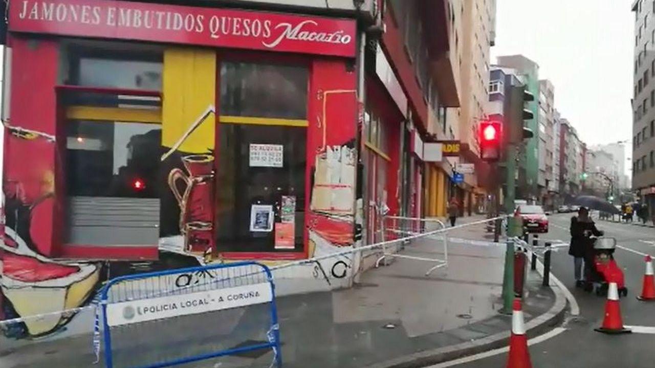 Precintada la esquina de ronda de Outeiro con avenida de Oza