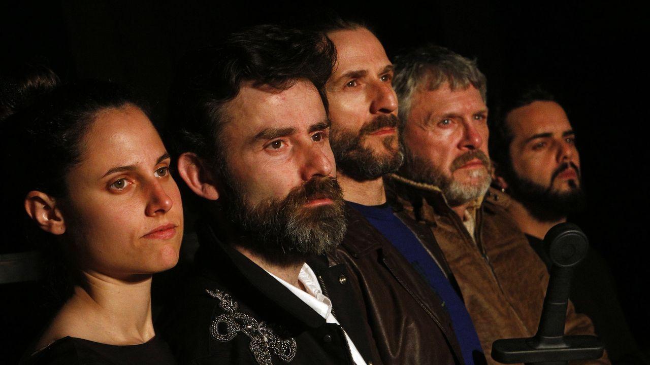 Elenco de actores de Estudo Momento, que interpreta una versión de Macbeth