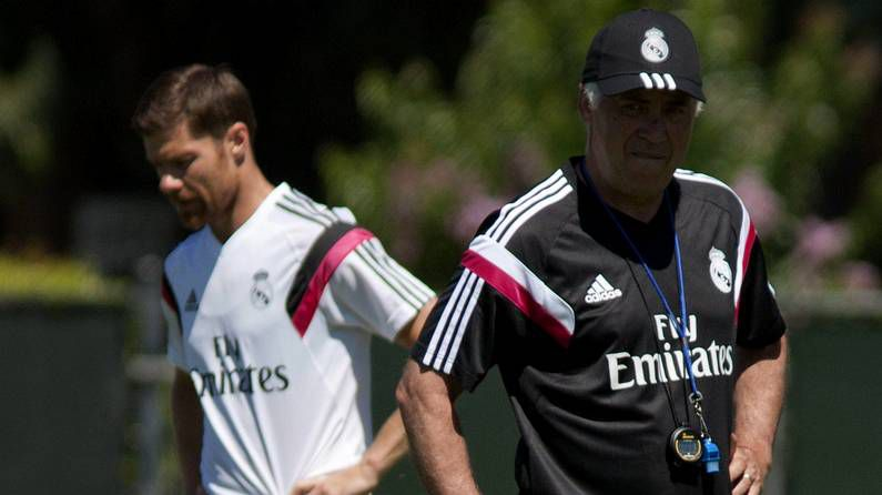 Diego López parte hacia Milan feliz por su nuevo destino