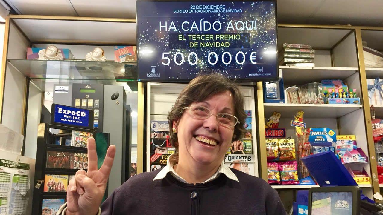 La Administración de Lotería del quiosco del paseo Alfonso, donde se vendió el tercer premio.