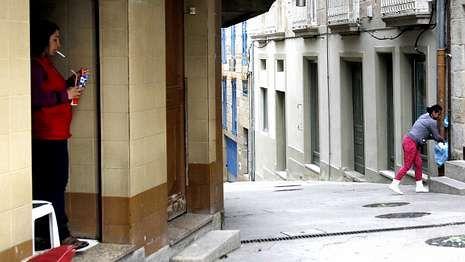 Cada vez quedan menos locales en el barrio de A Ferrería, que ahora se está rehabilitando y recuperando.