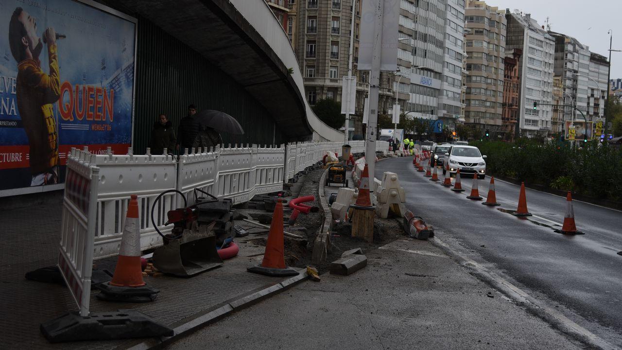 Las obras de estrechamiento de acera en la avenida Primo de Rivera.