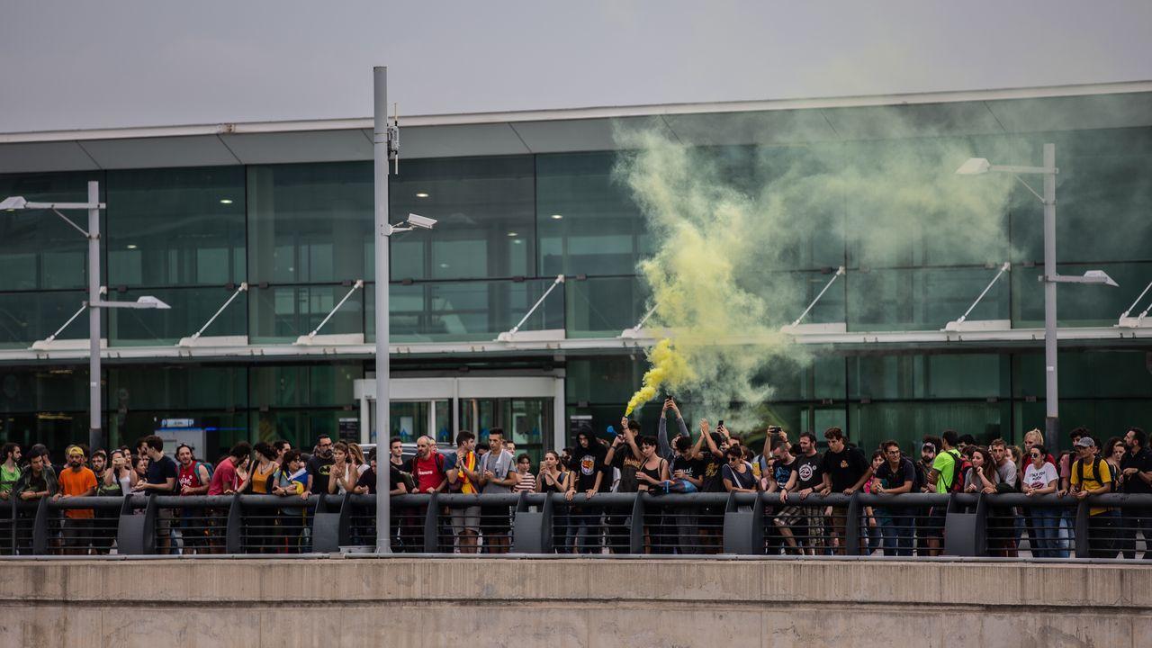Imagen de la concentración del lunes en El Prat