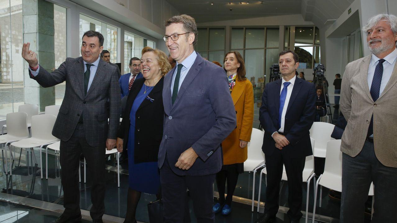 Pedro Sánchez: «Hemos ganado y vamos a gobernar España».Albert Rivera, con los organizadores del debate a cuatro en las pasadas generales