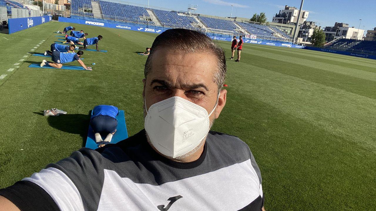 Turistas en Lugo, seguros ante el covid-19.Darwin Núñez remata un balón en el Oviedo-Almería