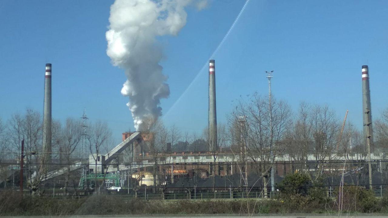 Imagen de la fábrica de ArcelorMittal en el polígono de Tabaza, Asturias